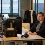 Peter Horitzer arbeitet an einem Kundenprojekt